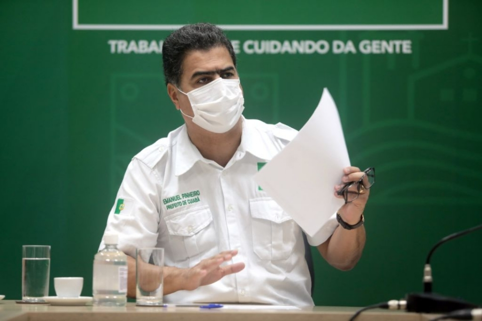 Emanuel pede audiência com juíza para reconsiderar data de volta às aulas em Cuiabá